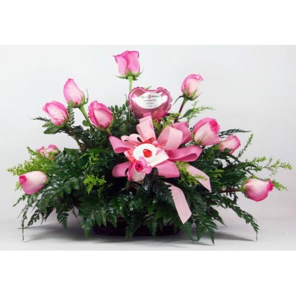 Centro de mesa 12 rosas regalo de rosas para enviar a - Centros de mesa de flores ...