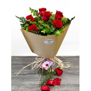 /41-1828-thickbox/bouquet-six-6-roses-to-spain.jpg
