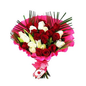 /436-1308-thickbox/bouquet-26-roses-at-home.jpg